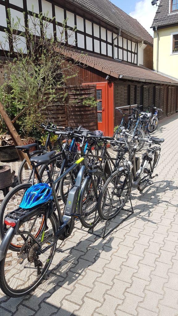 Radfahrer sind im Hotel zur Burg herzlich willkommen.
