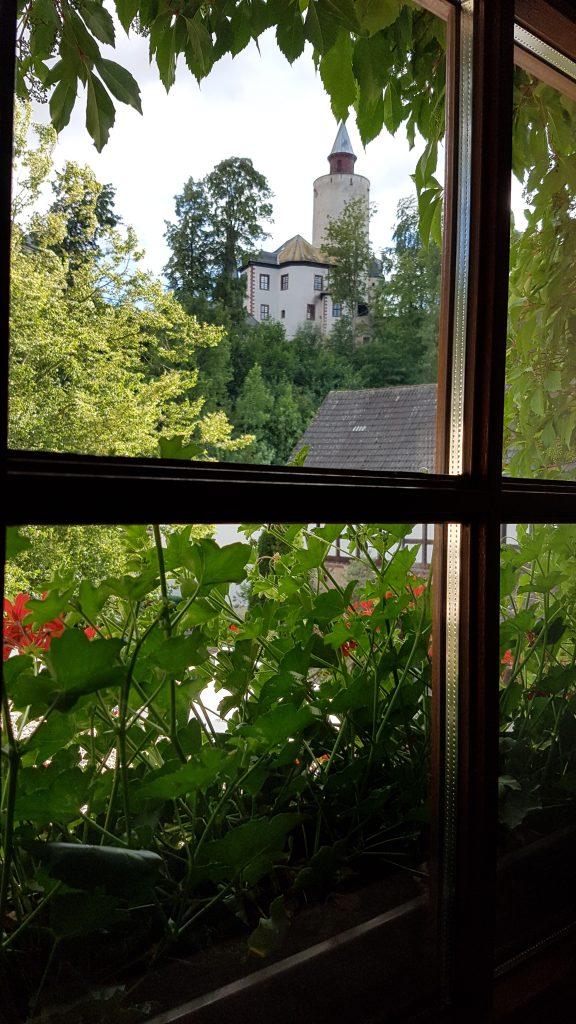 Fensterblick im Hotel zur Burg Posterstein