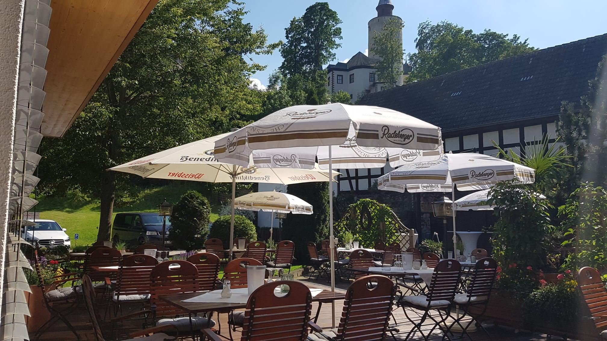 Biergarten des Hotels zur Burg Posterstein